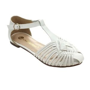 Chase & Chloe Cut-Out T-Strap Flat Sandals